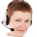 Frau oder Roboter am Telefon? Ihr entscheidet.